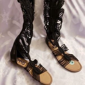 New Gladiator Sandals size 8 1/2